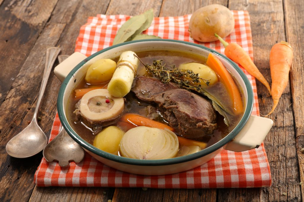 How to Make Traditional Bone Broth – or a Weekend of Yummy Aromas